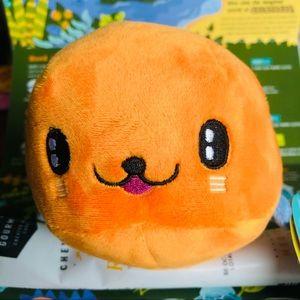 👛 bark box seal dog toy